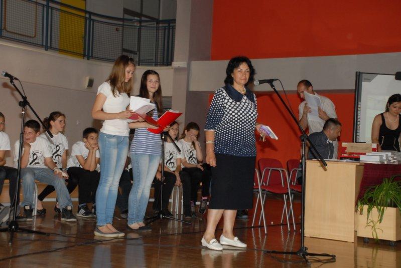 2012-06-13_dodela_diploma-svedocanstva_005