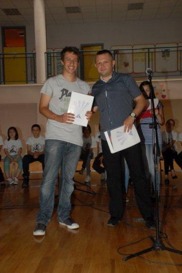 2012-06-13_dodela_diploma-svedocanstva_009