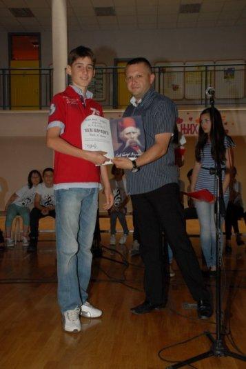 2012-06-13_dodela_diploma-svedocanstva_012