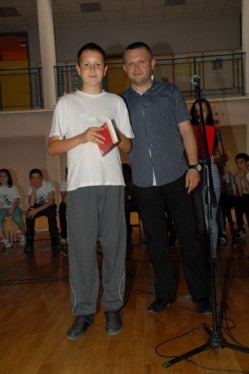 2012-06-13_dodela_diploma-svedocanstva_017